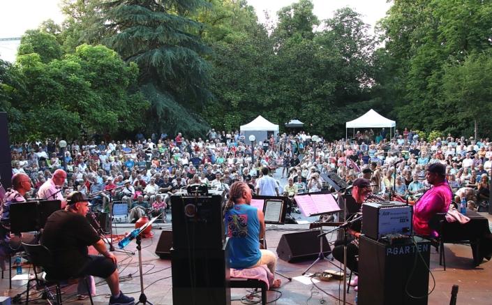 "Reto Weber Squeezeband, 25. Juli 2019 bei ""Jazz im Palmengarten"""