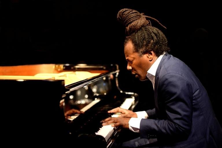 Ramón Valle, Klavier
